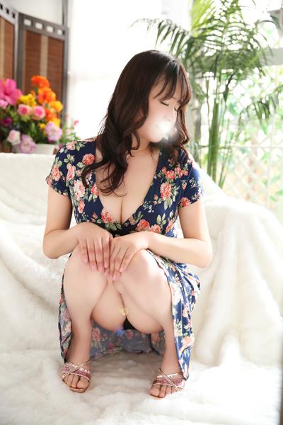鶯谷デリヘルなら 美人な人妻でおすすめの鶯谷クラブルージュ 美人妻専科 クラブルージュ 真弓の画像3